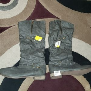 Shoes - Grey Boots
